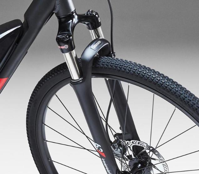 fourches à suspension suntour ncx sf17 montées sur le vélo électrique riverside 500
